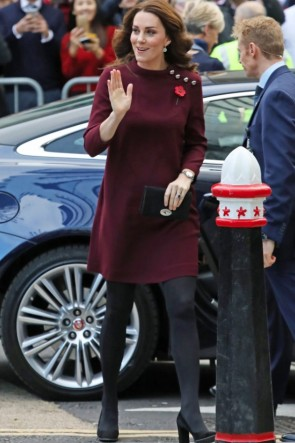 Kate Middleton Burgundy Short Dress with the 3/4 sleeves for the party, prom, and work.