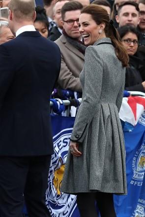 Kate Middleton Graues Hemdkleid