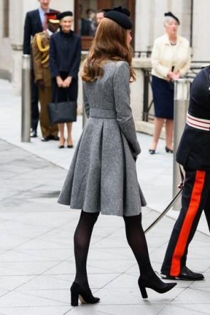 Kate Middleton - Knielanger, grauer Wollmantel mit Rüschen in A-Linie 2019