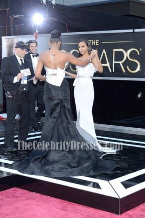 Kelly Rowland weißes und schwarzes trägerloses formales Kleid 2013 Oscar