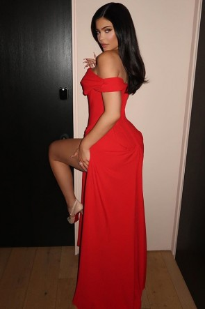 Kylie Jenner sexy rotes Kleid 2020 Oscars Party