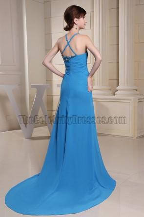 Abendkleid mit blauem Asymmetrie-Ausschnitt