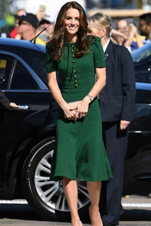 Kate Middleton Green Knee-Length Coat Dress on Her Visit to Paris