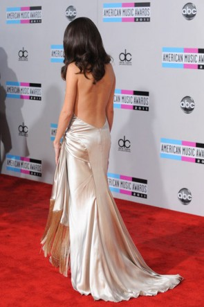 Selena Gomez 2011 American Music Awards Abendkleid Roter Teppich