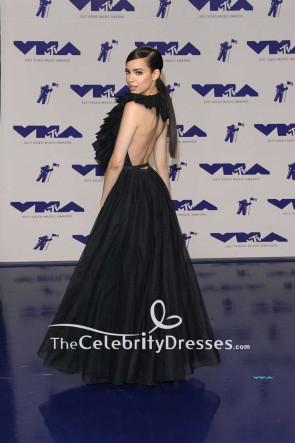Sofia Carson Schwarzes rückenfreies Halfter-Ballkleid-Kleid