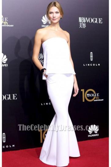 Karlie Kloss Robe sans bretelles sirène blanche formelle Vogue Chine dîner de gala