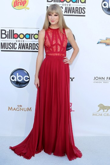 Taylor Swift robe de bal rouge Billboard Music Awards 2012 robe