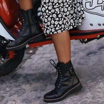 Black Lace-up Combat Boots With Rivet