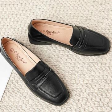 Women's Patent Leather Flat Heel Flats Closed Toe Shoes