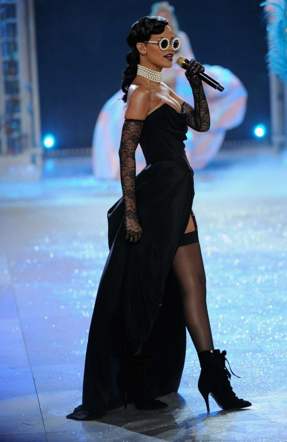 Rihanna Black Robe De Bal 2012 Victoria Secret Fashion