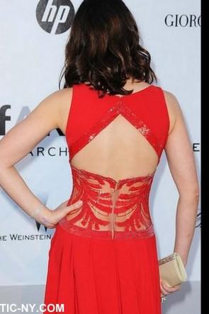 Emily Blunt hot rouge soirée de bal 2010 Festival de Cannes
