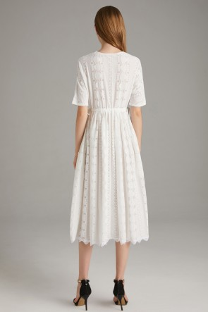 Tea-Length White A-line Scoop Homecoming Dress With 1/2 Sleeves TCDTB8582