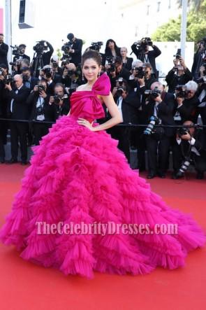 Araya Hargate 2017 Cannes Film Festival Fuchsia Une épaule sans dos Princesse robe de bal