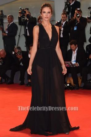 Alessandra Ambrosio BlacK robe de soirée dos nu 'Spot' Venise Film Festival Première