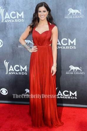 Cassadee Pope robe de soirée formelle dos nu ACM Awards 2014 tapis rouge