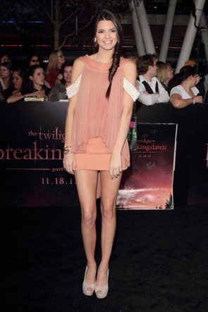 Kendall Jenner mini robe première de «The Twilight Saga Breaking Dawn - Partie 1»