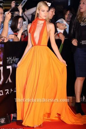 Nicola Peltz sexy robe de soirée Halter 'Transformers Age of Extinction' Tokyo Premiere