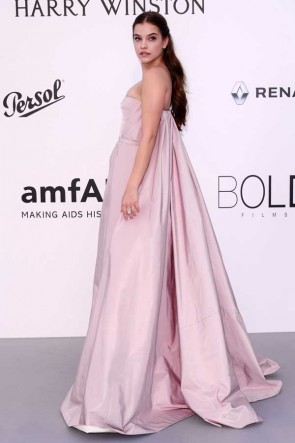 Barbara Palvin Rose Bustier Pageant Princesse Robe Ball AMFAR Gala Cannes 2017