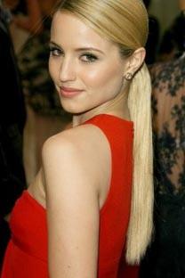 Dianna Agron rouge robe de bal robe de soirée de l'Institut du Costume Gala 2011 tapis rouge