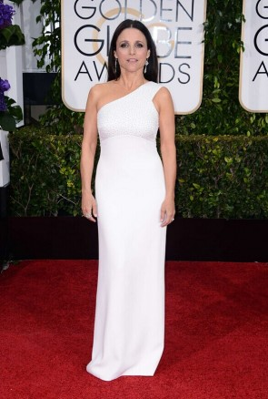 Julia Louis-Dreyfus 2015 Golden Globe Awards Blanc robe à une épaule tapis rouge