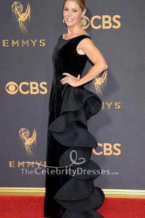 Robe de soirée à volants en velours noir Julie Bowen 2017 Robe de cérémonie à manches rouges Emmy Awards