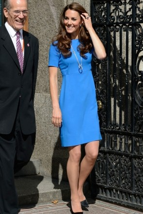 Kate Middleton Blue Short Dress With Short Sleeves