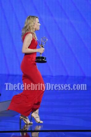 Kate McKinnon Robe de soirée rouge à col en V profond 68e Primetime Emmy Awards