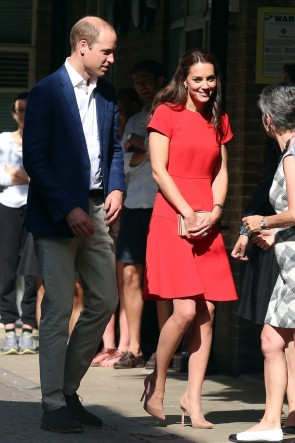 Kate Middleton Red Scoop Cocktail Dress With Short Sleeves