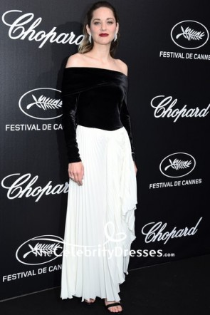 Marion Cotillard Black And White Off-the-Shoulder Dress With Sleeves 2019 Trophee Chopard Dinner