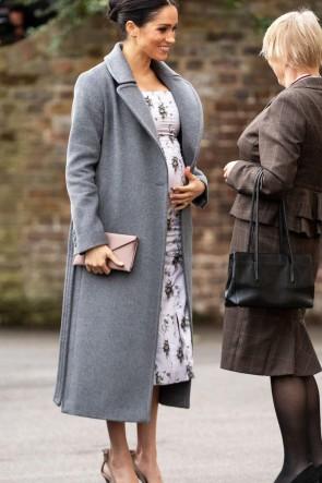 Manteau d'hiver gris Meghan Markle