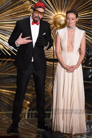 Olivia Wilde Red Carpet Dress 88th Annual Academy Awards 2016 White Evening Gown 2