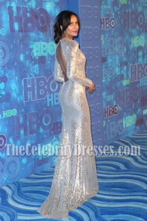 Padma Lakshmi - Robe de soirée à manches longues en paillettes argentées - Official 2016 Emmy After Party de HBO