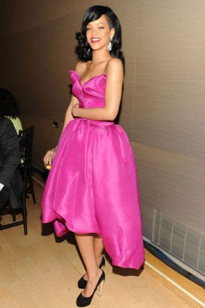 Rihanna fuchsia robe de bal Time Magazine 100 événement le plus influent