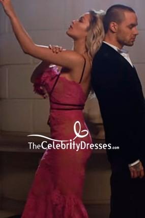 Rita Ora - Robe sirène haute et basse rose vif dans la vidéo `` For You ''