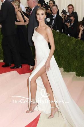 Rosie Huntington-Whiteley blanc une épaule en mousseline de soie cuisse-haute Split robe de soirée Met Gala 2016 tapis rouge