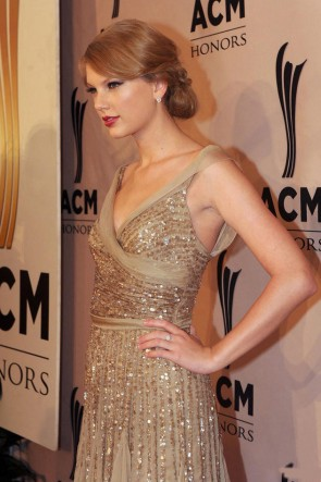 Taylor Swift courte décolleté en V or robe de cocktail de paillettes Party Robes de bal
