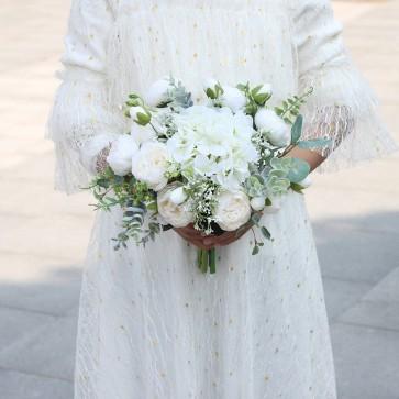 Elegant Free-Form White Bridal Bouquets