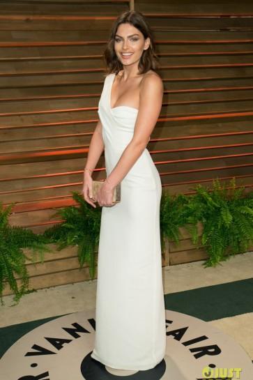 アリッサミラーホワイトワンショルダーイブニングドレス2014バニティフェアオスカーパーティードレス