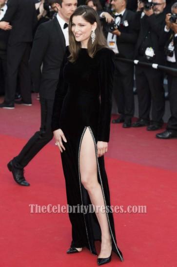 第70回カンヌ国際映画祭でLaetitia Casta Black Gown「マイヤーウィッツの物語」初演