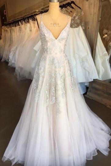 Ivory V-neck Applique Wedding Dress TCDFD8198