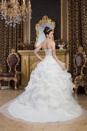 Elegant Strapless Ball Gown Embroidered Chapel Train Wedding Dresses