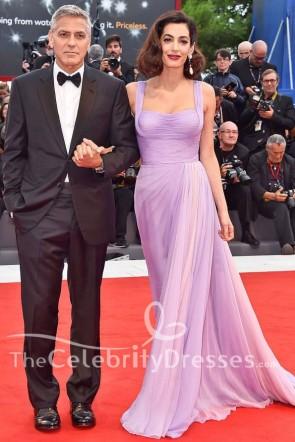 アマルクルーニーライラックのイブニングドレス「郊外」ヴェネツィア映画祭プレミアレッドカーペットドレス