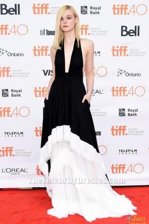 Elle Fanningの白と黒のホルターネックのイブニングドレス「Trumbo」と「About Ray」のトロント映画祭プレミア