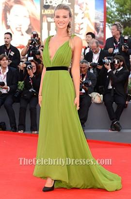 Fiammetta Cicognaセクシーなグリーンウエディングドレス第70回ヴェネツィア国際映画祭