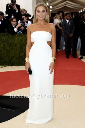 Margot Robbieホワイトカットアウトイブニングドレスメットガラ2016