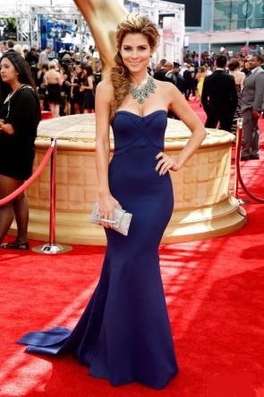 Maria Menounosネイビーマーメイドストラップレスフォーマルドレス2013 Emmysレッドカーペット