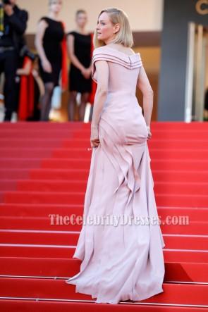 ユマサーマンカンヌ映画祭2017レッドカーペットのイブニングドレス