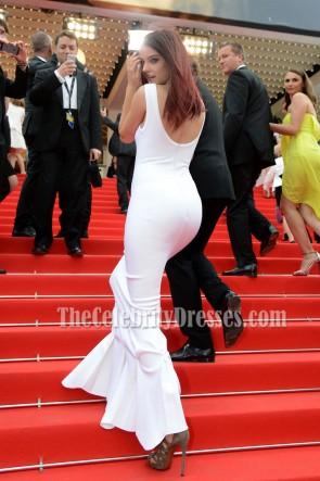 Barbara Palvin バーバラパルビンホワイトマーメイドロングイブニングウエディングドレス第67回カンヌ映画祭