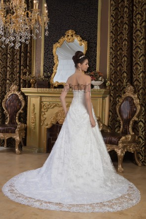Elegant A-Line Lace Strapless Chapel Train Wedding Dresses