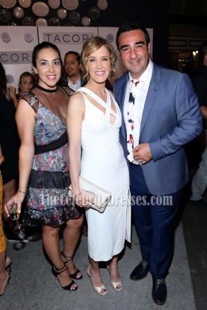 Felicity Huffman Elegant White Evening Party Dress Tacori In Wonderland 2016 6